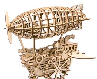 Дирижабль с механическим заводом
